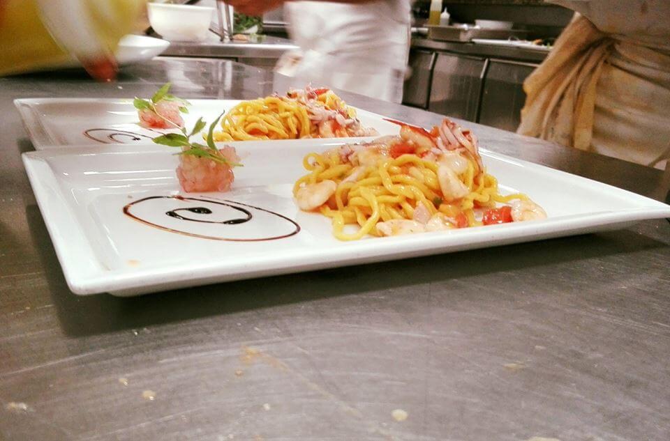 Spaghetti ai gamberi freschissimi ristorante di pesce roma le vele