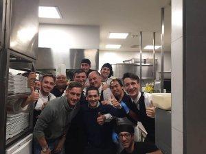 fish restaurant le vele - lo staff con Totti